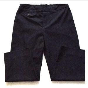 Womyn black Capri dress pants